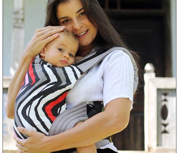 Ia-mă în braţe, mamă!