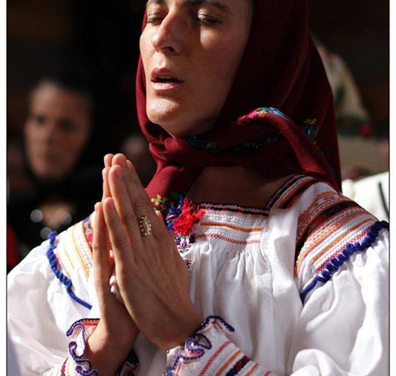 """La Săpânţa de """"Sfânta Mărie Mare"""" – Adormirea Maicii Domnului"""