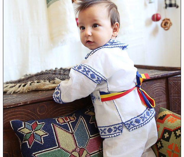 Bucurie în decorul românesc