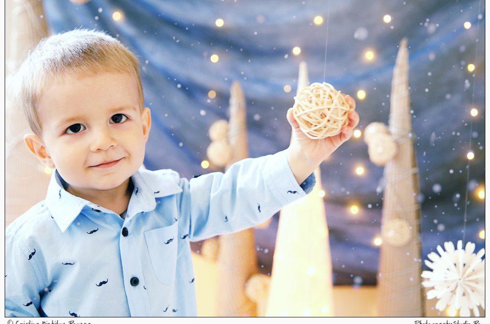 Andrei, Micul Prinţ, pe planeta Photography Studio decorată de Crăciun