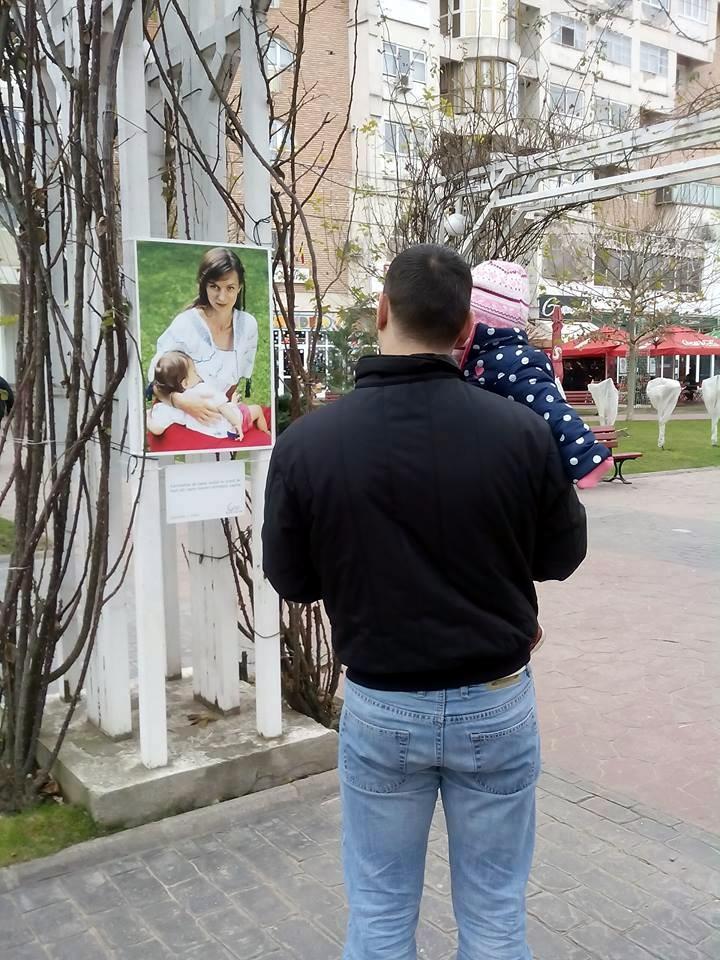 Expozitia Alaptarea e Iubire la Targu Jiu cu fotografii de Cristina Nichitus Roncea 2