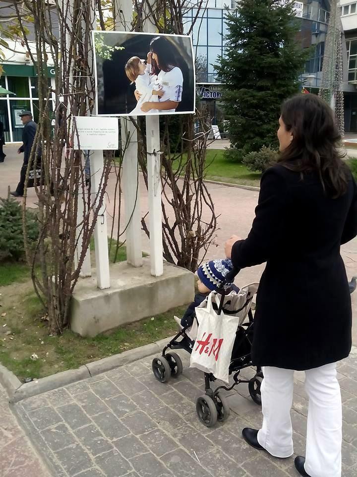 Expozitia Alaptarea e Iubire la Targu Jiu cu fotografii de Cristina Nichitus Roncea 4
