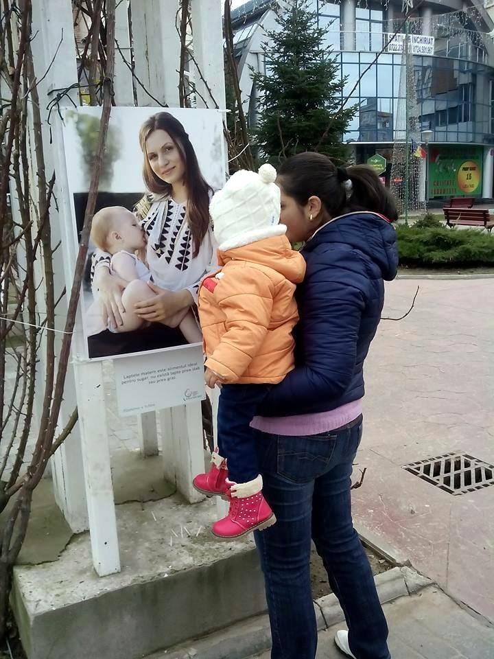 Expozitia Alaptarea e Iubire la Targu Jiu cu fotografii de Cristina Nichitus Roncea 8
