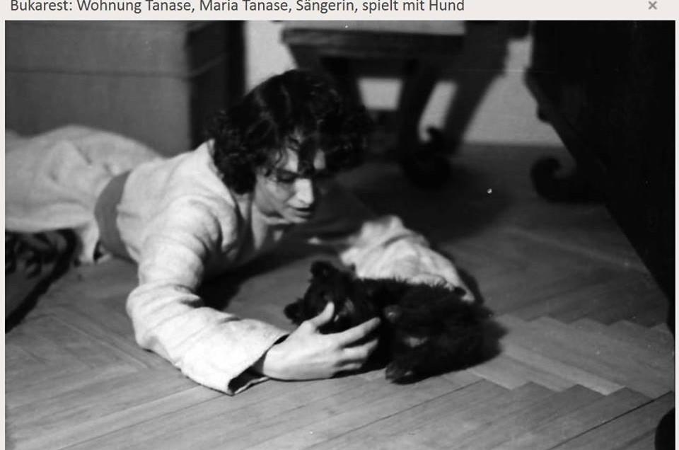 Willy Pragher – Fotografii rare cu Maria Tănase din apartamentul ei – martie 1942