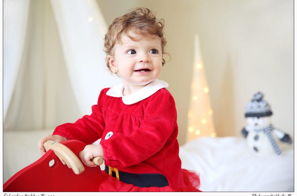 V-am spus că au venit ajutoarele lui Moş Crăciun la noi în Studio? Ilinca – mica prinţesă