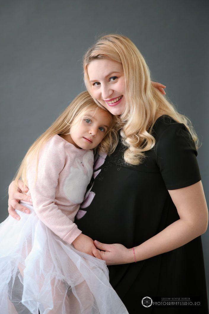 Eveline, mamica ei superbă şi o şedinţă foto de maternitate de neuitat