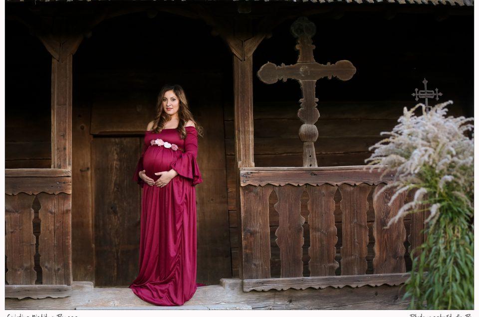 Muzeul Satului, o mămică superbă şi o sedinţă foto de maternitate adorabilă