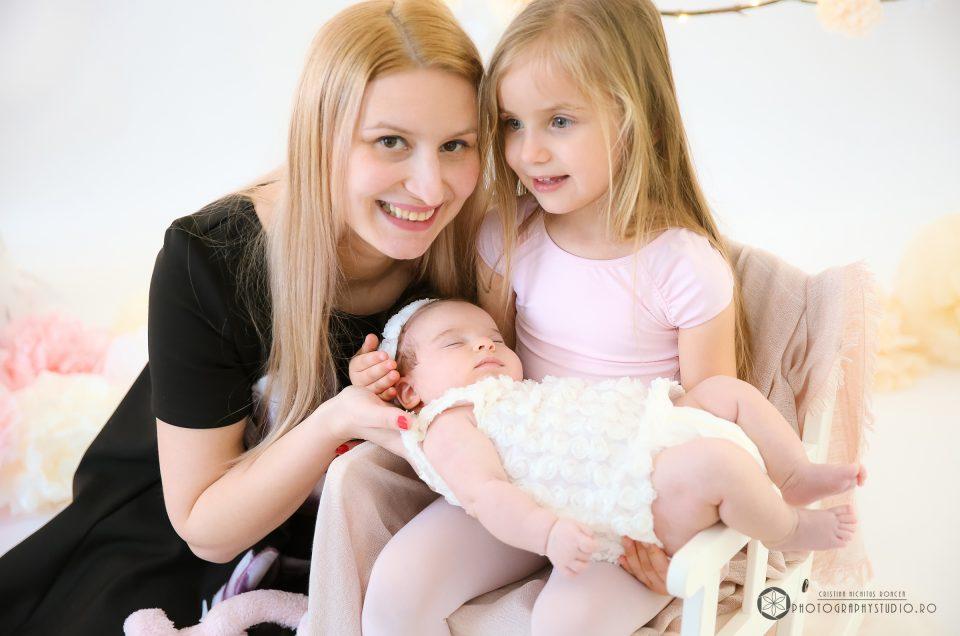 Eveline, mamica ei frumoasă şi o şedinţa foto de maternitate de neuitat