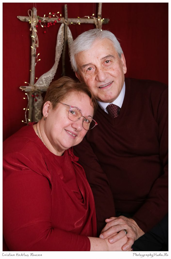 Năstruşnicii, cu bunicii la fotograf